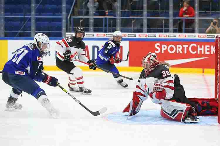Ice Hockey U S Women Sweep First Three World Championships Games