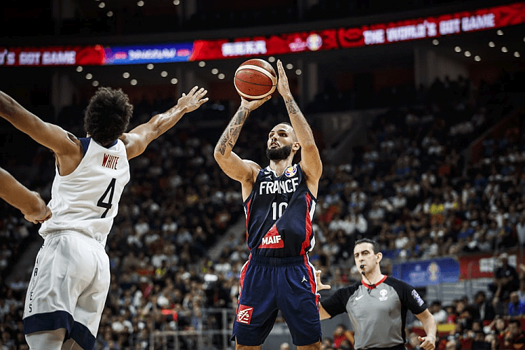 BASKETBALL: U S  loses to France, 89-79, in FIBA World Cup