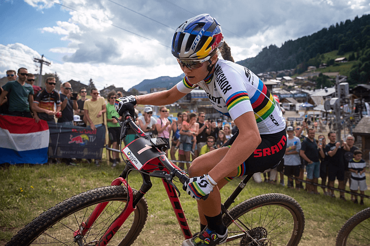 CYCLING Preview: Schurter goes for 8th, Courtney for 2nd win